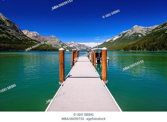 USA, Montana, Glacier National Park, Goat Haunt, Upper Waterton Lake, Jetty