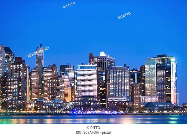 View of New York skyline at dusk