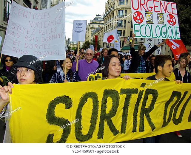 Paris, France, Environmental Demonstration Against Nuclear Power, Japanese Citizens Holding Banners