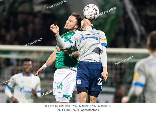 Philipp BARGFREDE (HB) in header with Steven SKRZYBSKI (GE), action, duels, header duel, dogfights, football 1. Bundesliga, 25