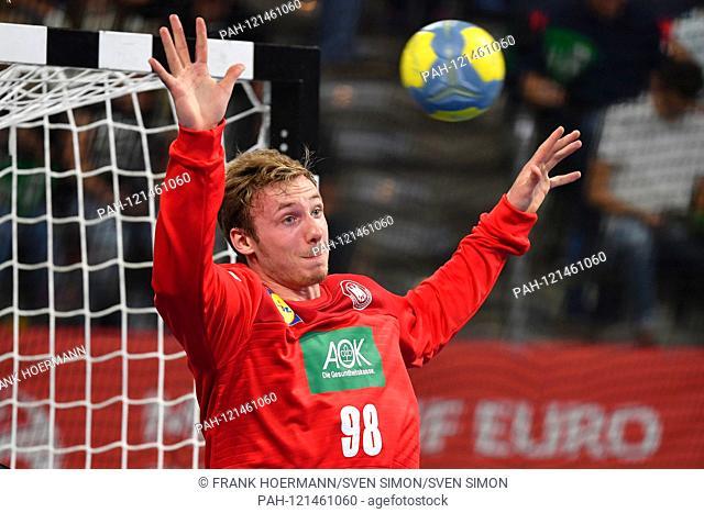 Till KLIMPKE (GER), Parade, parries the ball, action, single shot, single cut motive, half figure, half figure, handball Laenspiel der Maenner