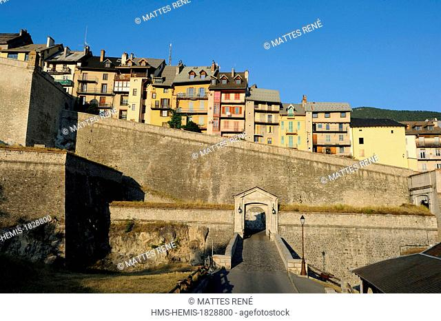 France, Hautes Alpes, Briancon, Vauban listed as World Heritage by UNESCO, Embrun gate