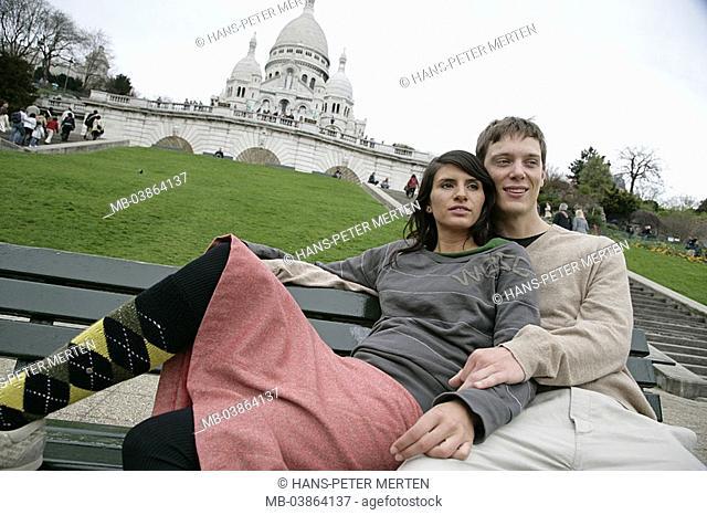 France, Paris, Montmartre, Sacre Coeur, pair, young, sits