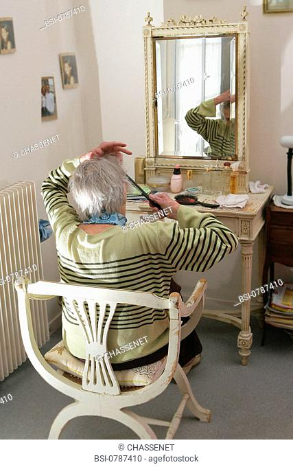 HAIR CARE, ELDERLY PERSON
