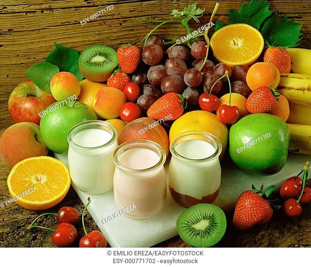 Fruits and yogourt
