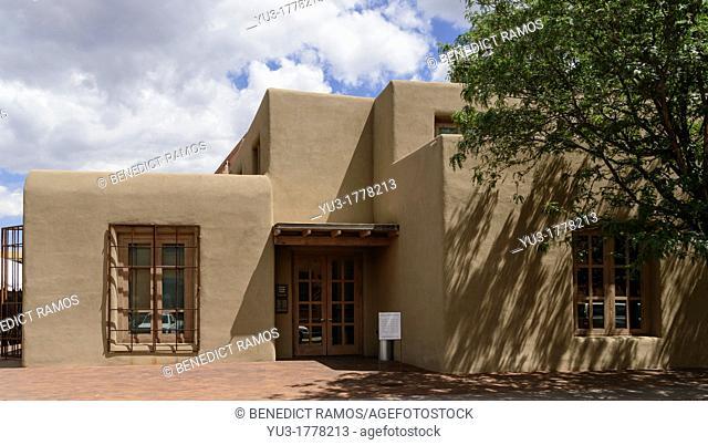 Exterior of the Georgia O'Keefe Museum, Santa Fe, New Mexico, USA