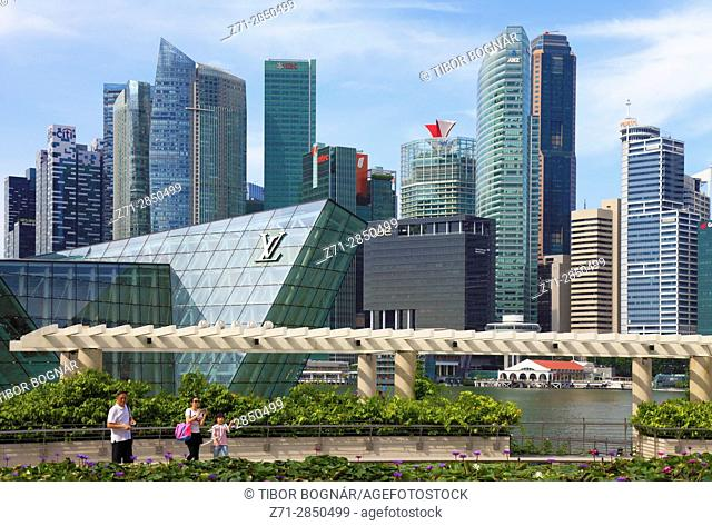 Singapore, business district skyline, people,