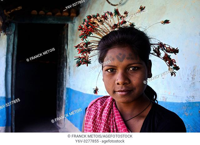 Young woman from the Baïga tribe ( Madhya Pradesh, India)