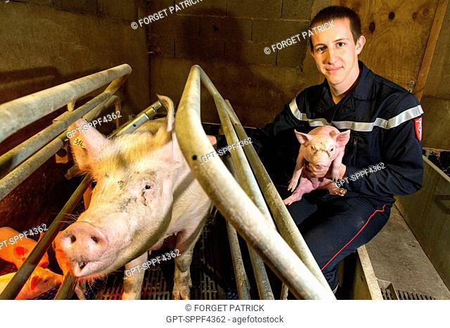 DAVID GUINAUDEAU, PIG FARMER, VOLUNTEER FIREFIGHTER AT THE EMERGENCY SERVICES CENTER OF LA VERRIE, VENDEE (85), FRANCE