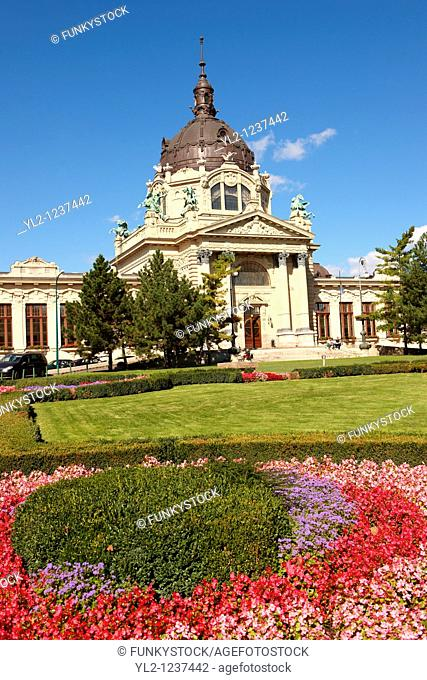 The largest medicinal thermal baths in Europe  The Neo baroque Szechenyi baths, City Park, budapest, Hungary