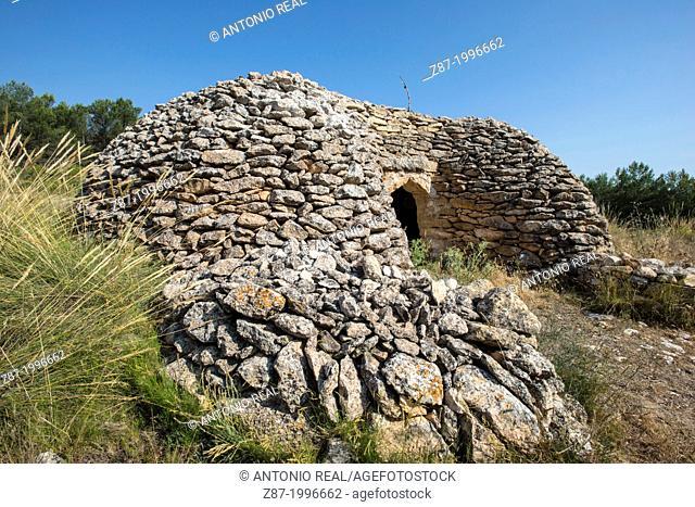 Cuco del Garganchón, typical drystone construction. Almansa, Albacete province, Castilla-La Mancha, Spain