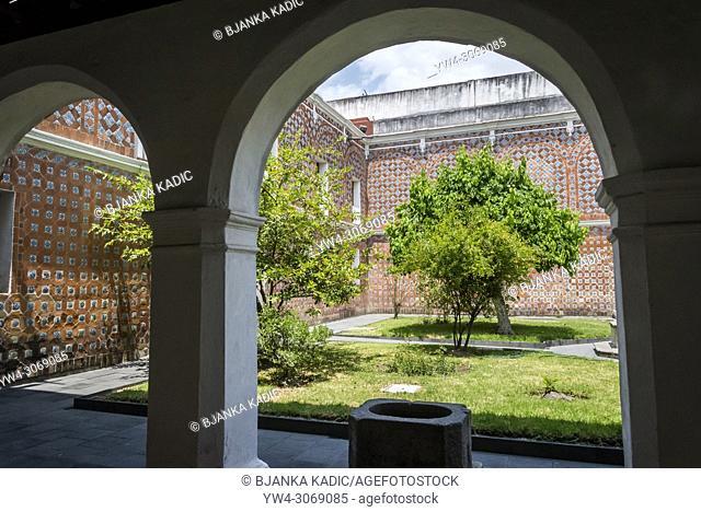 Former Convent of Santa Monica, now housing a Religious Art Museum, street scene, Puebla, Mexico