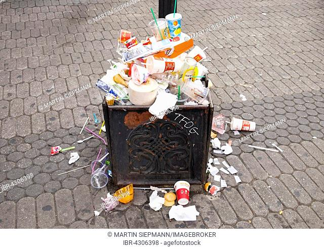 Overfilled trash during Bardentreffen, open-air music festival, Nuremberg, Middle Franconia, Franconia, Bavaria, Germany