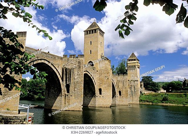 Pont Valentre, Cahors, Lot department, Midi-Pyrenees region, France, Europe