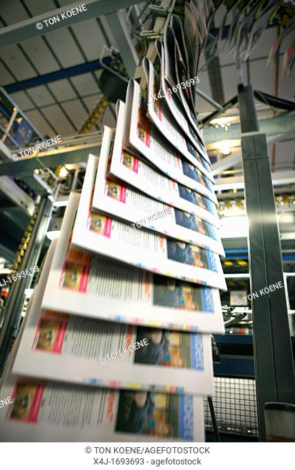 Dijkman Offset printing This company prints the financieel dagblad Dutch financial times , kidsweek and other media