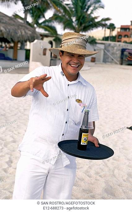 Mexico, Baja California. Los Cabos. Village Cabo San Jose. Hotel Casa del Mar. Lunch on the beach. Margarita time