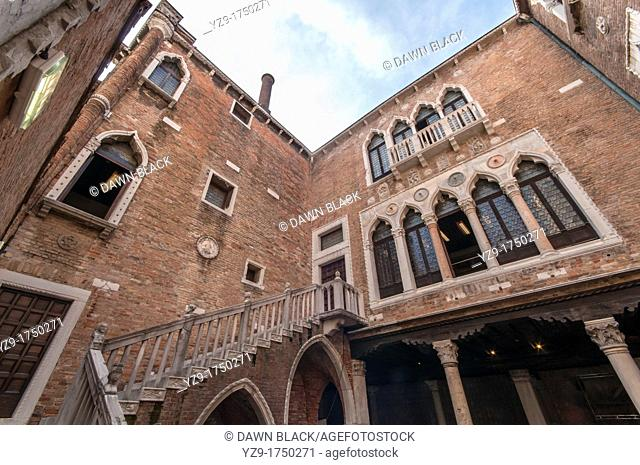 Inner Courtyard, Ca' d'Oro, Cannaregio, Venice, Italy