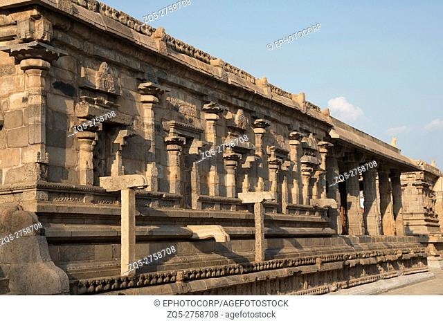 View of the southern wall and mandapa, Deivanayaki Amman shrine, Darasuram, Tamil Nadu, India