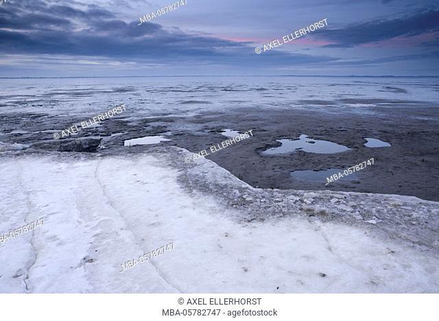 Ice floes iat the Wadden Sea, evening light, Dangast, Jade Bay, the North Sea, Frisia, Lower Saxony, Germany
