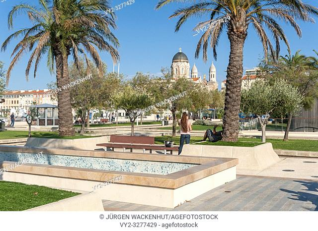 Park Jardin Bonaparte, in the background the Basilica Notre Dame of Victoire, Saint-Raphael, Var, Provence-Alpes-Cote d`Azur, France, Europe