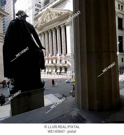 New York, stock exchange from George Washington statue