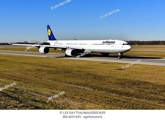 Lufthansa Airbus A340-600 roll out on taxiway, north runway at Munich, Franz Josef Strauss, MUC, EDDM, Freising District, Erding, Erdinger Moos, Munich, Bavaria
