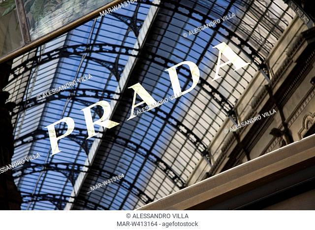 prada, galleria vittorio emanuele, milan, lombardia, italy