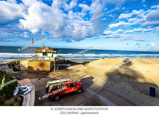 View looking down on Moonlight State Beach and lifeguard tower. Encinitas, California, United States