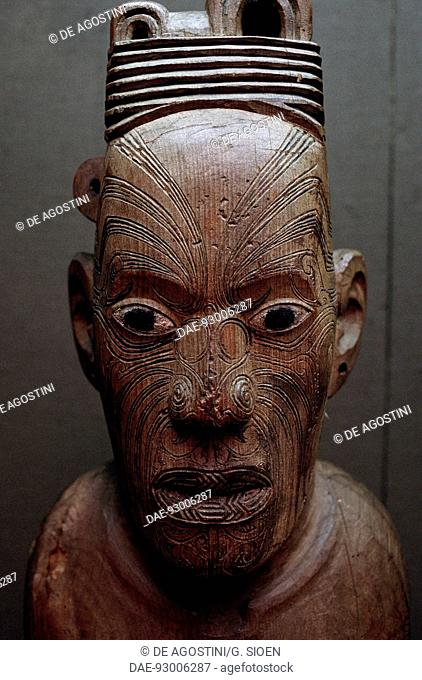 Poutokomanawa, wooden Maori carving, Whanganui, New Zealand.  Wanganui, Museo d'arte Maori