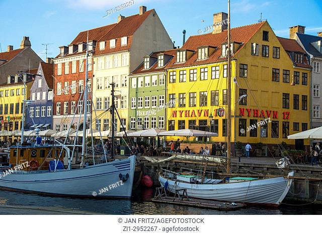 Colourful houses at Nyhavn in Kopenhagen, Denmark