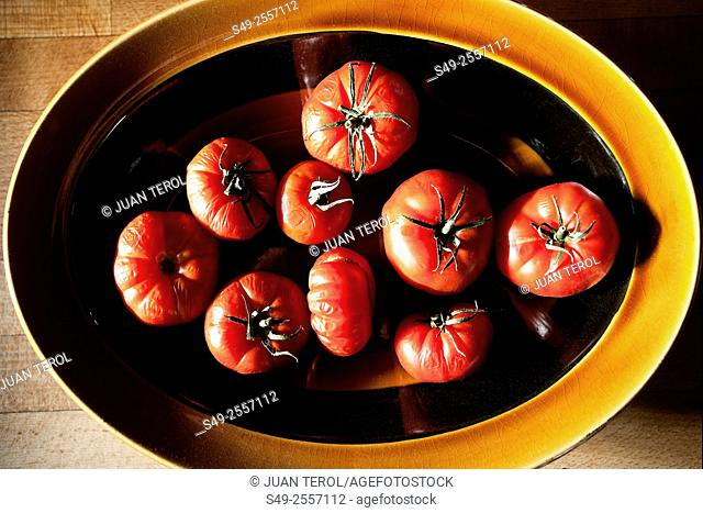 Tomatoes on a platter
