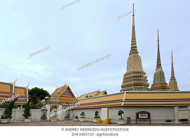 Phra Maha Chedi Si Ratchakan of Wat Pho - Temple of the Reclining Buddha, its official name is Wat Phra Chetuphon Vimolmangklararm Rajwaramahaviharn