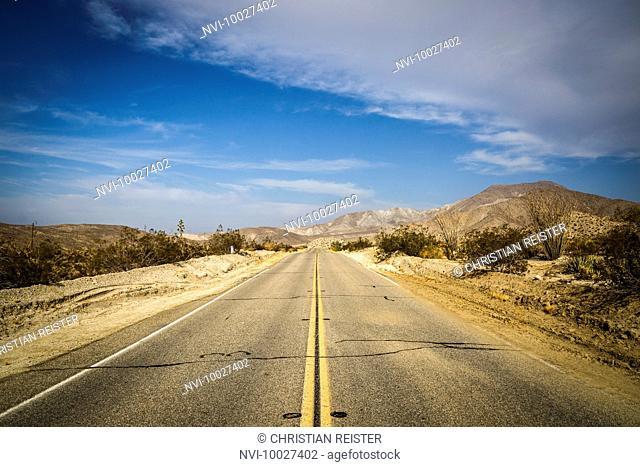 Highway CA-78, Anza-Borrego Desert State Park, California, USA