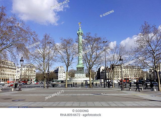 The July Column (Colonne de Juillet) a monumental column in commemorating the Revolution of 1830 in the Place de la Bastille, Paris, France, Europe