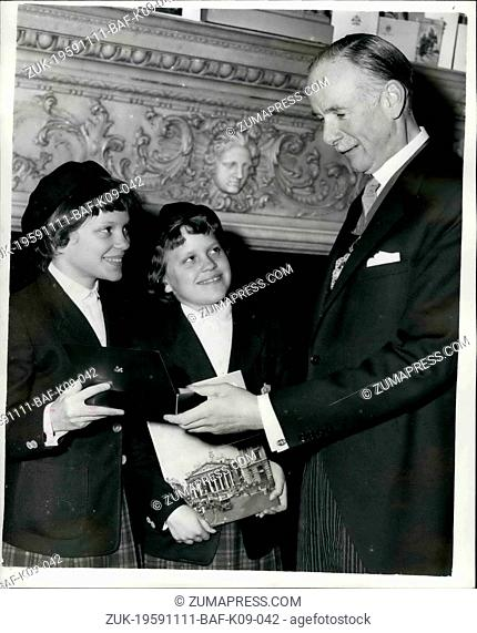 Nov. 11, 1959 - MELISSA FROM PITTSBURGH VISITS THE MANSION HOUSE GIFT TO THE LORD MAYOR. Melissa Hickes and her parents - and twin sister Rebecca called on the...