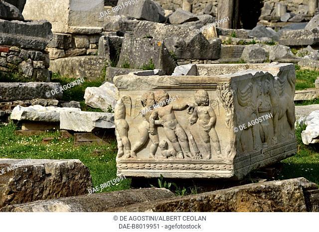 Sarcophagus decorated with putti and griffons, Manastirine necropolis, Salona, Solin, Croatia. Paleo-Christian civilization