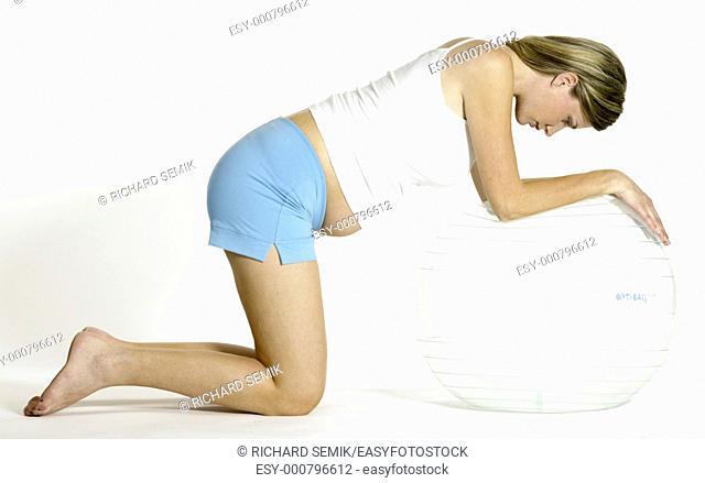 pregnat woman doing exercises