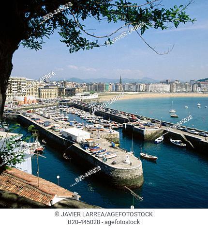 Port and Bahía de la Concha, San Sebastian, Guipuzcoa, Basque Country, Spain