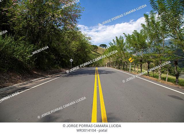 Via Santa Fe De Antioquia-Bolombolo, Antioquia, Colombia