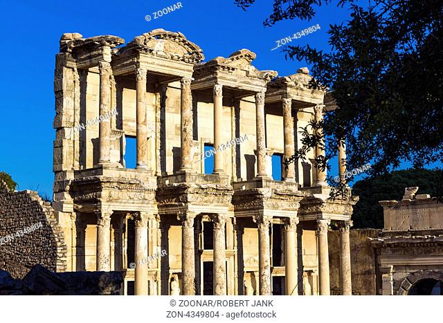 Library of Celsus in Ephesus 01