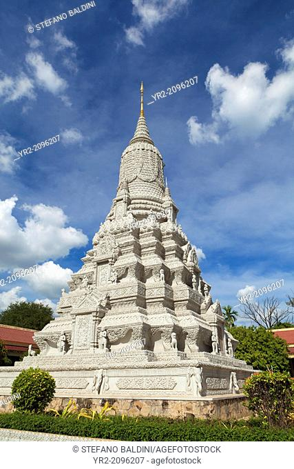 Stupa for King Ang Duong, part of the royal palace complex, Phnom Penh, Cambodia