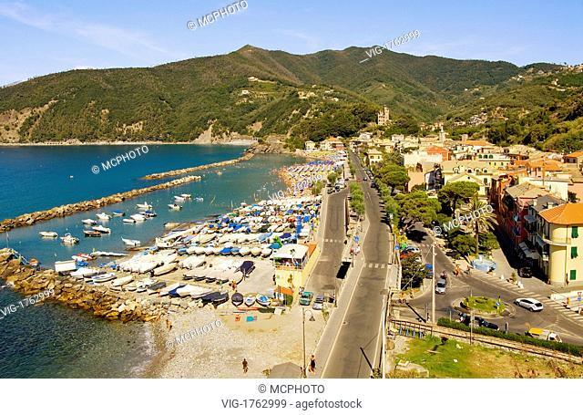 View over the small village of Moneglia a popular tourist destination in the Ligurian Coast, North West Italy.Blick ueber das Dorf Moneglia