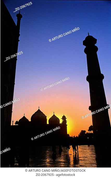 Sunset at Taj Mahal, Agra, Uttar Pradesh State, India