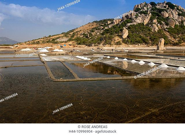 Salt fields, salt production, Ninh Thuan, Vietnam, Asia