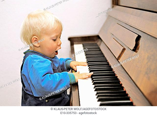 Child at the piano