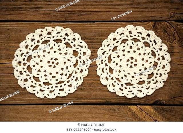 Two White Round Place Mat