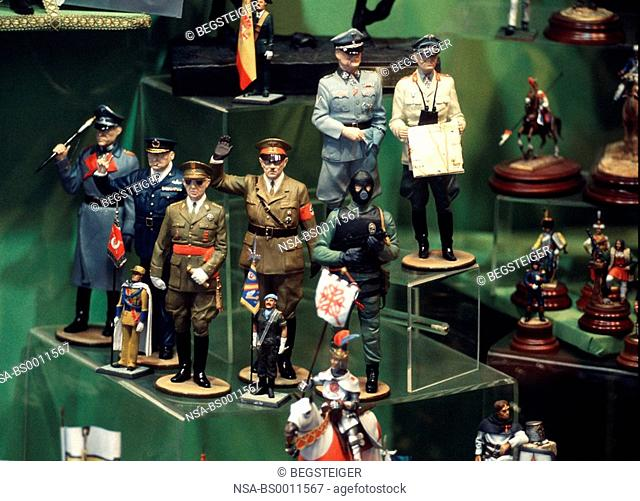 figures of Hitler, Hussein