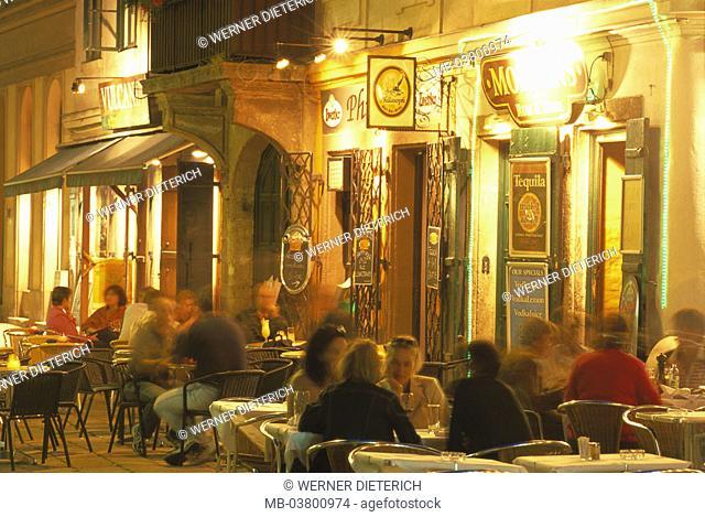 Austria, Vienna, city center,  Bermuda triangle, Judengasse, Pubs, guests, evening, no mr 1. District, Ruprecht place, gastronomy, 'Vulcania', 'philosopher'