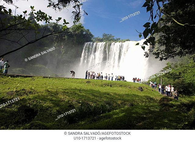 Salto de Eyipantla waterfalls, Catemaco city, Veracruz, Mexico, North America