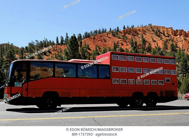 Rotel coach at the Red Rocks in the Red Canyon, Hillsdale, Panguitch, Utah, USA, North America